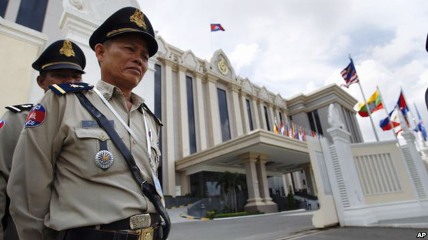 Полиция Камбоджи задержала 119 китайцев за мошенничество