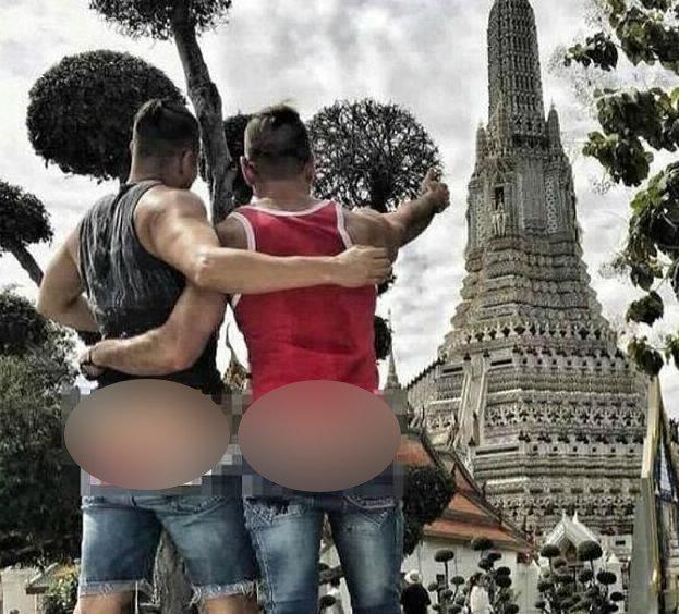 В Таиланде освободили американцев, сделавших фото в обнаженном виде у храма