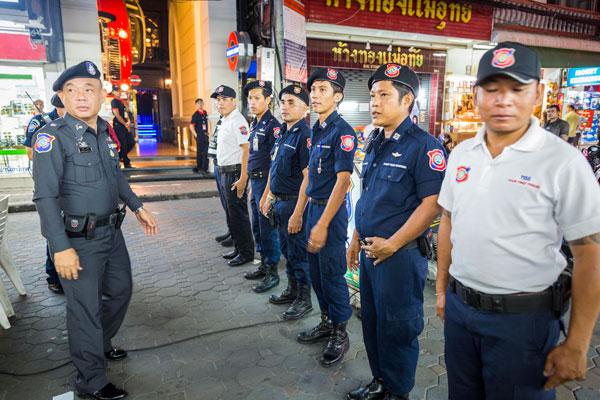 Полиция Паттайи организовала облаву на нелегальных гидов