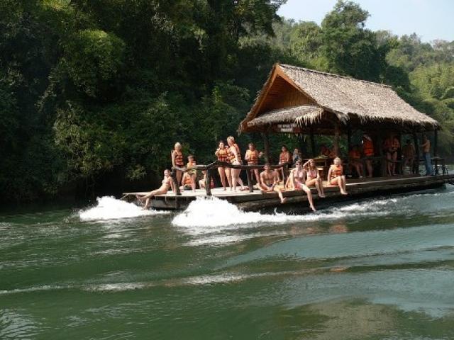 Чем привлекают путешествия по реке Квай