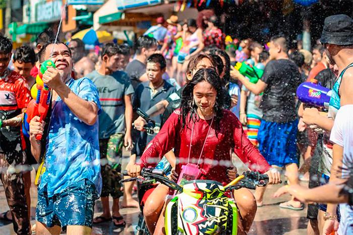 Праздничная неделя Сонгкрана в Паттайе
