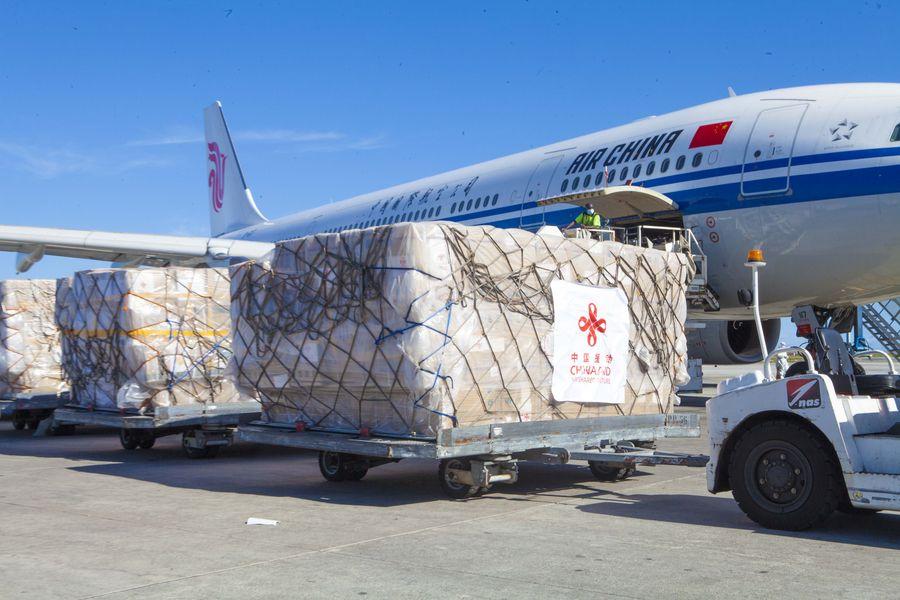 Премьер-министр Таиланда поблагодарил Китай за вторую партию противоэпидемических грузов