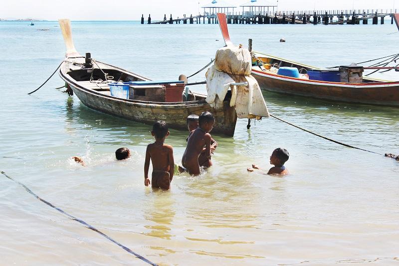Губернатор Пхукета Наронг Вунсиеу подписал приказ о вводе локдауна в деревне морских цыган