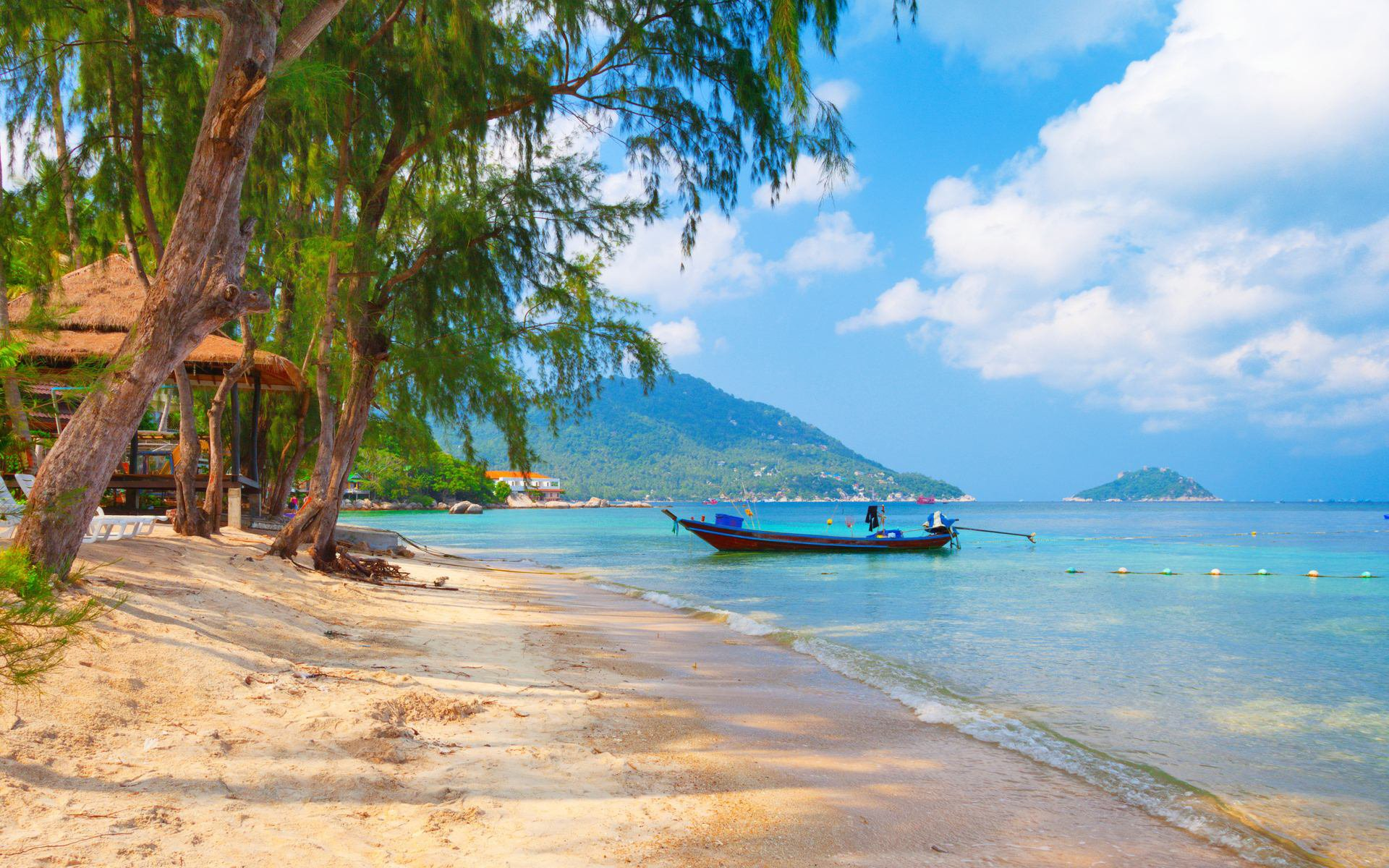 Власти Таиланда снимают ковидные ограничения в курортных провинциях
