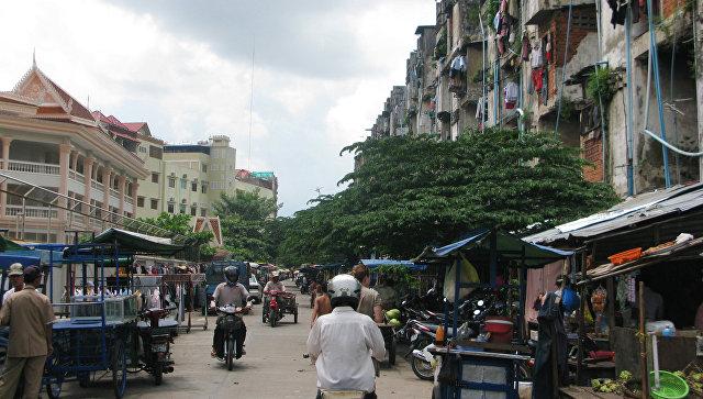 Уволенные охранники посольства США в Камбодже устроили акцию протеста