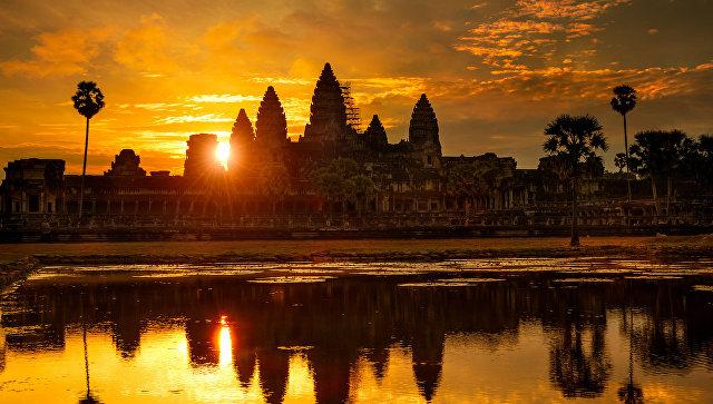 В Камбодже восемь человек погибли, выпив загрязненную воду