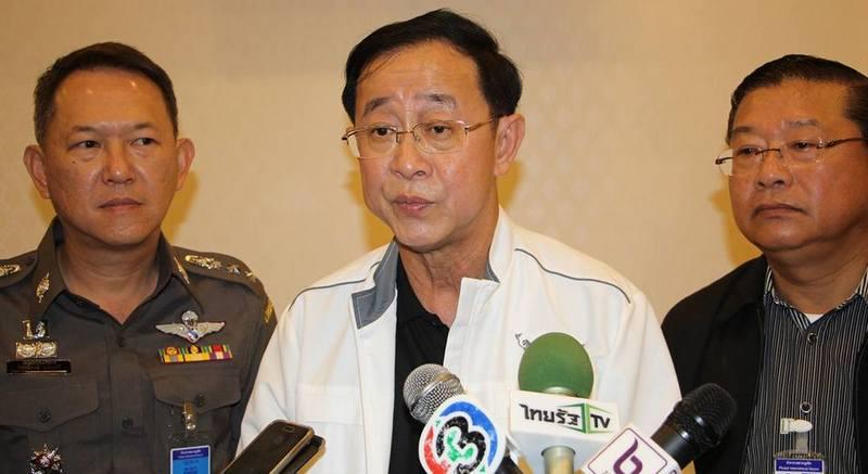 Министр распорядился решить проблему очередей в аэропорту Пхукета