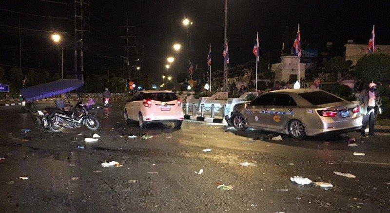 Протаранивший «макашницу» таксист оштрафован на 400 бат