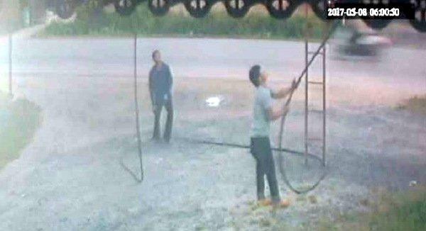 Три человека задержаны за кражу кабелей провайдера ТОТ. Полиция задержала трех мужчин, которые оставили часть Паклока без телефонной связи 7-8 мая