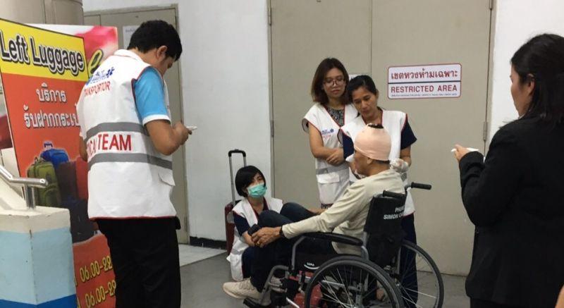 Пассажир Nok Air получил травму головы после того, как в зале вылета терминала внутренних линий аэропорта Пхукета обвалилась секция навесного потолка