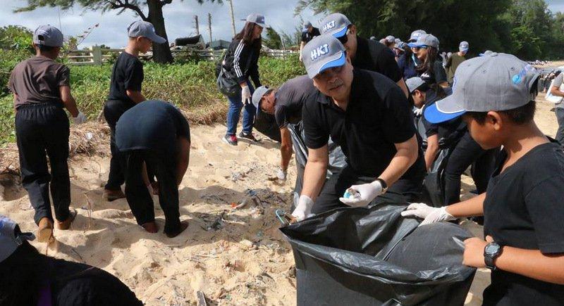 Более трех тонн мусора убрали с пляжей Най-Янг и Май-Кхао в ходе массового субботника 20 июня, этому  предшествовала волна критики в соцсетях со стороны жителей северной части Пхукета, которые массово выразили недовольство мусором на пляжах