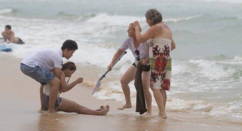 Туристка из Австралии спасла тонущую тайку на пляже в Кароне