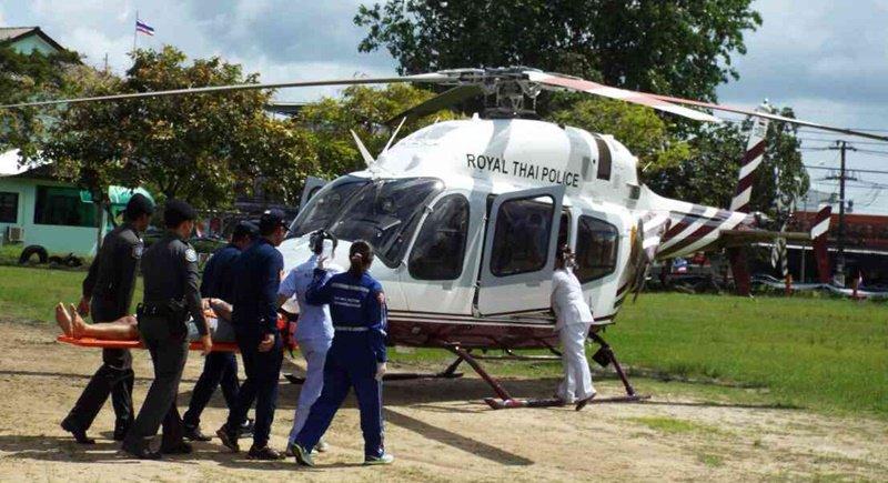 Спасатели и медики провели учения в присутствии начальника туристической полиции Таиланда генерал-лейтенанта Сакорна Тхонгмуни и шефа туристической полиции Пхукета майора Эккачая Сири в четверг, 28 сентября