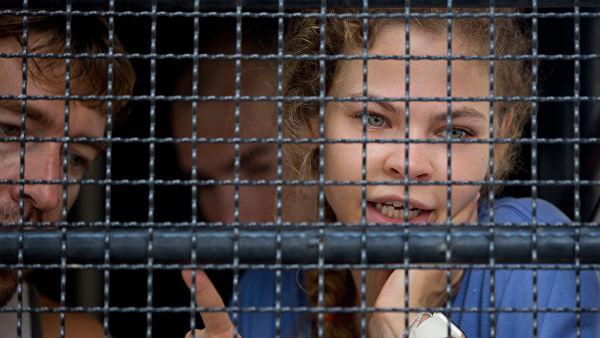 Рыбка и Лесли в Таиланде отказались от адвокатов и попросили поменять судью