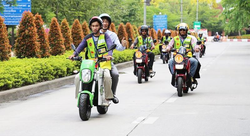 Университет Thammasat запустил электрическое мототакси