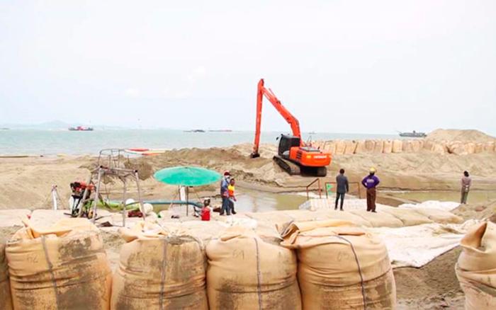 Реставрация пляжа Паттайи продолжается
