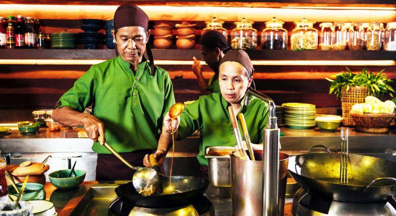 Тайская кухня для особого случая в ресторане Ta Khai