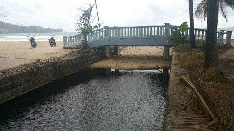 Официальные лица намерены проверить отели и гостиницы Камалы на предмет слива сточных вод во впадающий в море местный канал