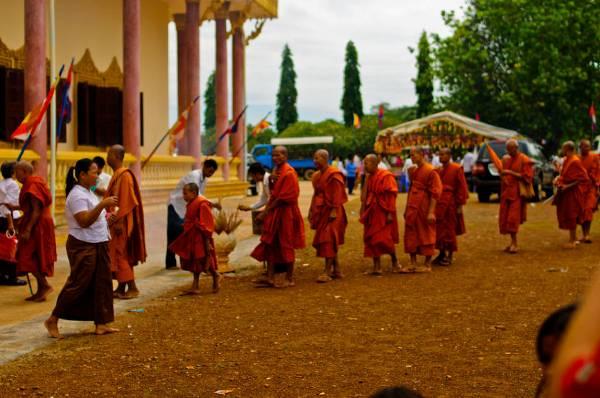 В Камбодже прошел Пчум Бен - древний праздник поминовения предков