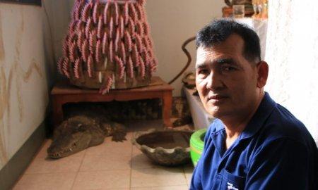 В доме жителя Таиланда 20 лет живет крокодил. Хозяин говорит, что рептилия еще никого не обидела