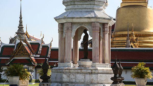Король Таиланда подписал указ о проведении парламентских выборов