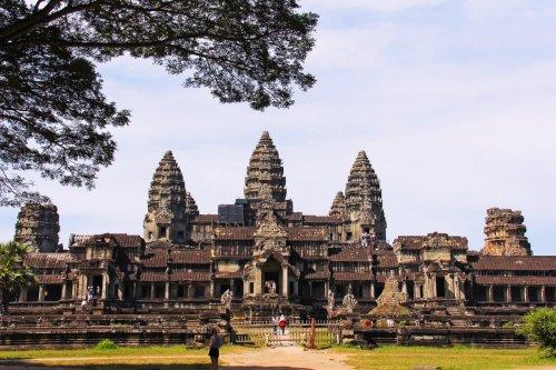 Археологи: храм Ангкор-Ват в Камбодже построили боги