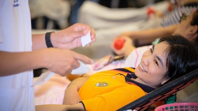 Более 2280 доноров приняли участие в донорской кампании, организованной пхукетским кампусом Университета Раджабхат и Региональным банком крови Красного креста на Пхукете