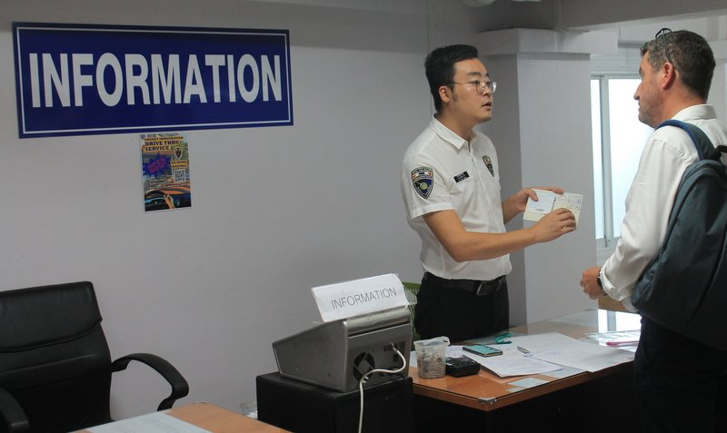 Россиянам не рекомендуют посещать иммиграционные центры Таиланда из-за вспышки COVID-19