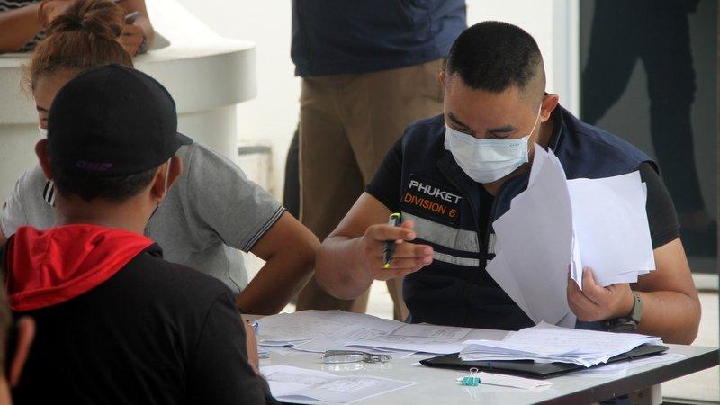Визовая амнистия продлена до 31 октября