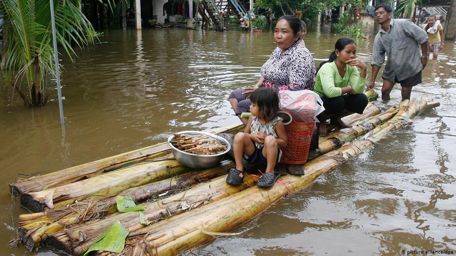 Индонезия оказала помощь Камбодже после наводнения