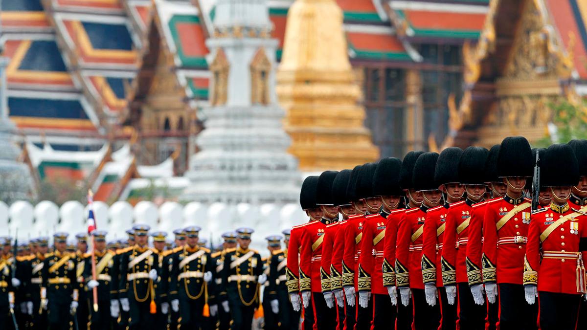Армия Таиланда чтит память Короля Рамы IX