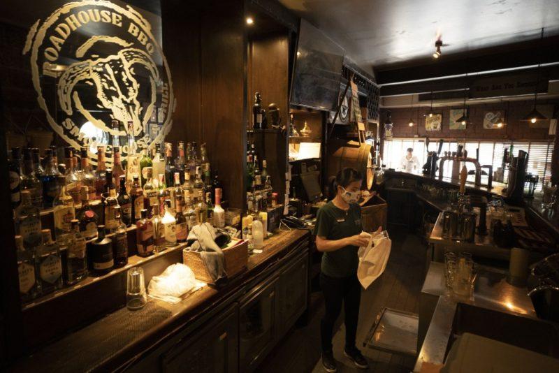 В Таиланде открылись бары, национальные парки и начались занятия в школах