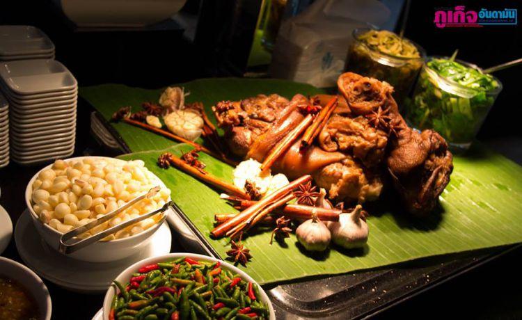 Шведский стол в отеле  Crowne Plaza Phuket Panwa Beach. Получите скидку 10% до 30 июня каждое воскресенье с 12:00 до 16:00 часов