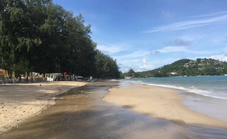 Bang tao Beach with high tide