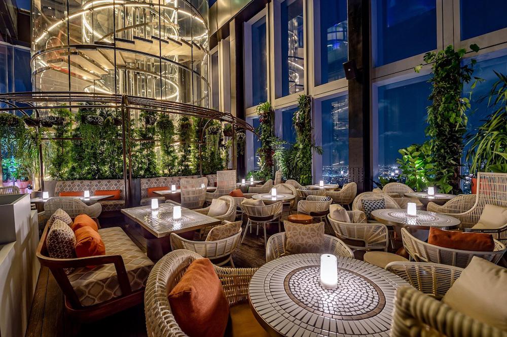 Самый-самый бар Таиланда - Mahanakhon Bangkok SkyBar