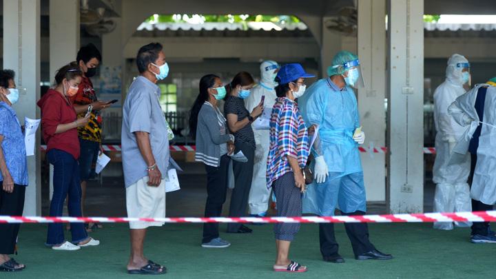 """В Таиланде прекращают авиасообщение с """"темно-красными"""" зонами"""