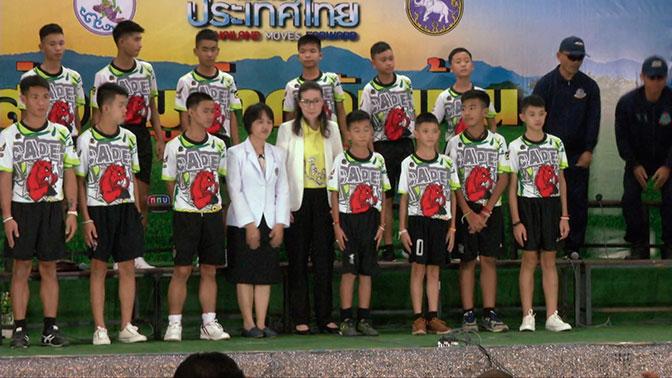 Детей накачали наркотиками и связали: СМИ раскрыли ложь о спасении школьников в Таиланде