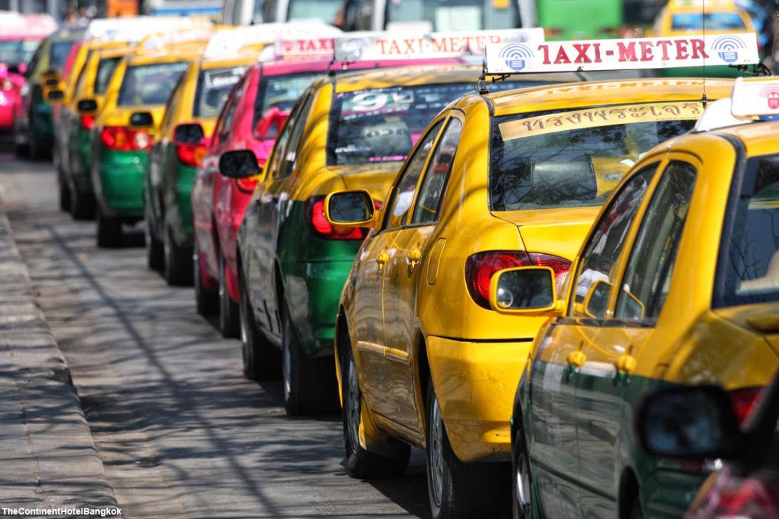 Министр транспорта Таиланда согласился на повышение тарифов на такси в Бангкоке