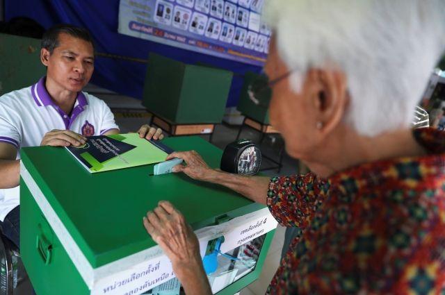 В Таиланде начались протесты против затянувшихся подсчетов голосов