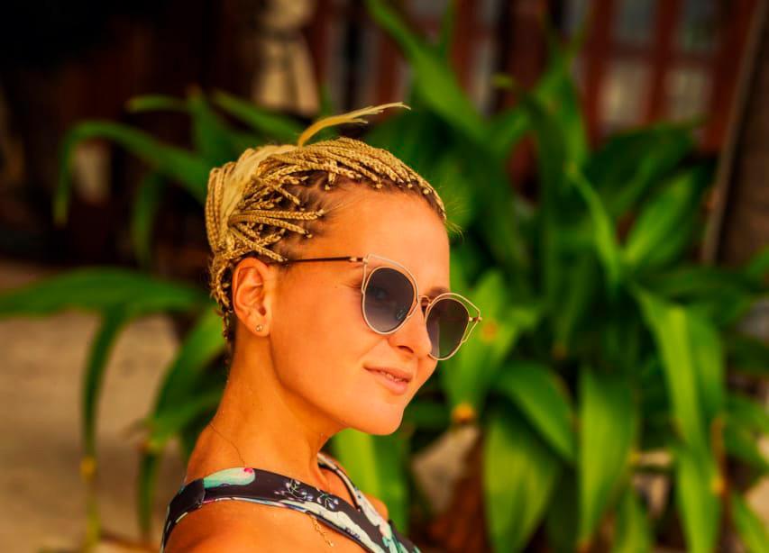 Застрявшая во время пандемии блогер, рассказала как сейчас живут туристы в королевстве