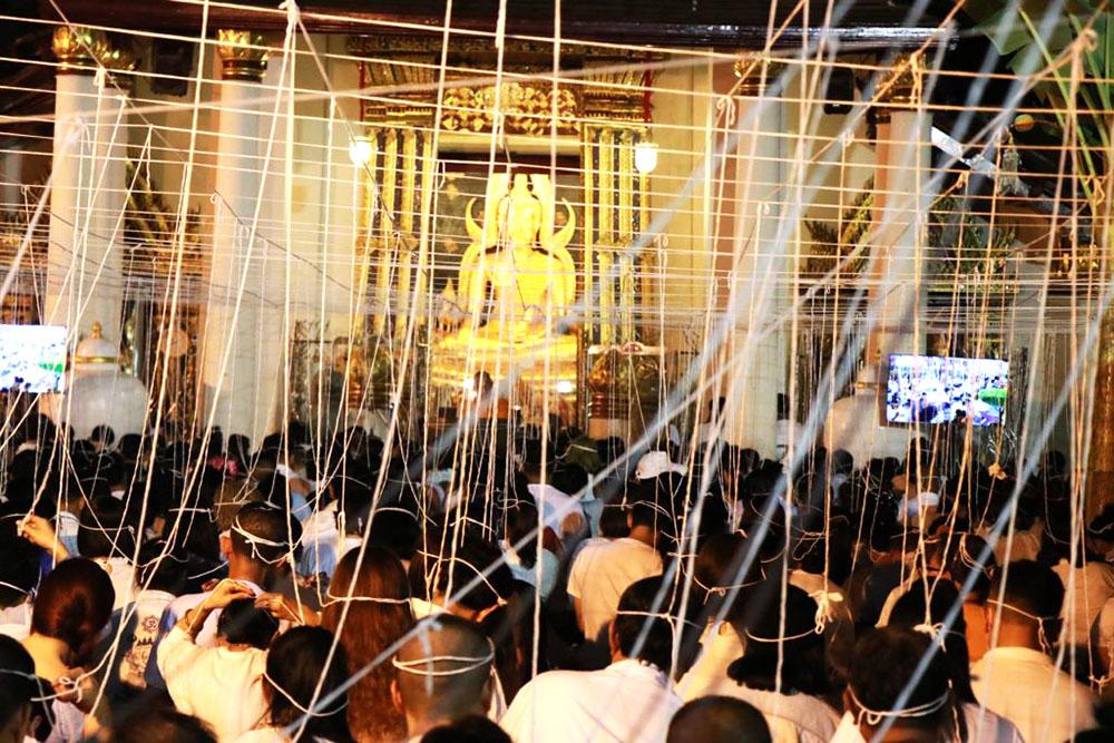 Правительство Таиланда намерено транслировать древнюю молитву