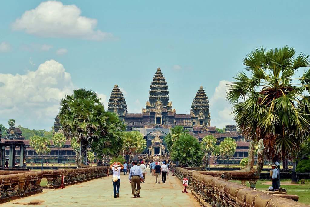 Правительство Камбоджи призывает туристов не отменять свои поездки