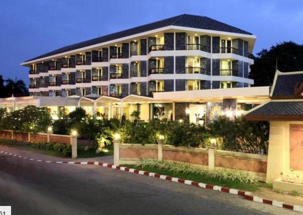 Отель Siam Bayshore Resort & Spa, Паттайя.  Адрес: 559 Beach Road, Таиланд, Банг-Ламунг, Паттайя (13 км 800 метров от центра - 1 ч. 58 мин. пешком)