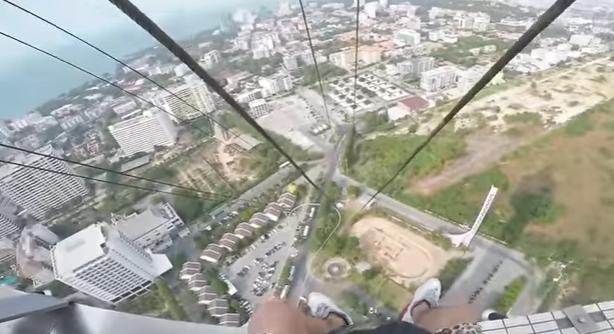 Прыжок с башни Паттайя Парк
