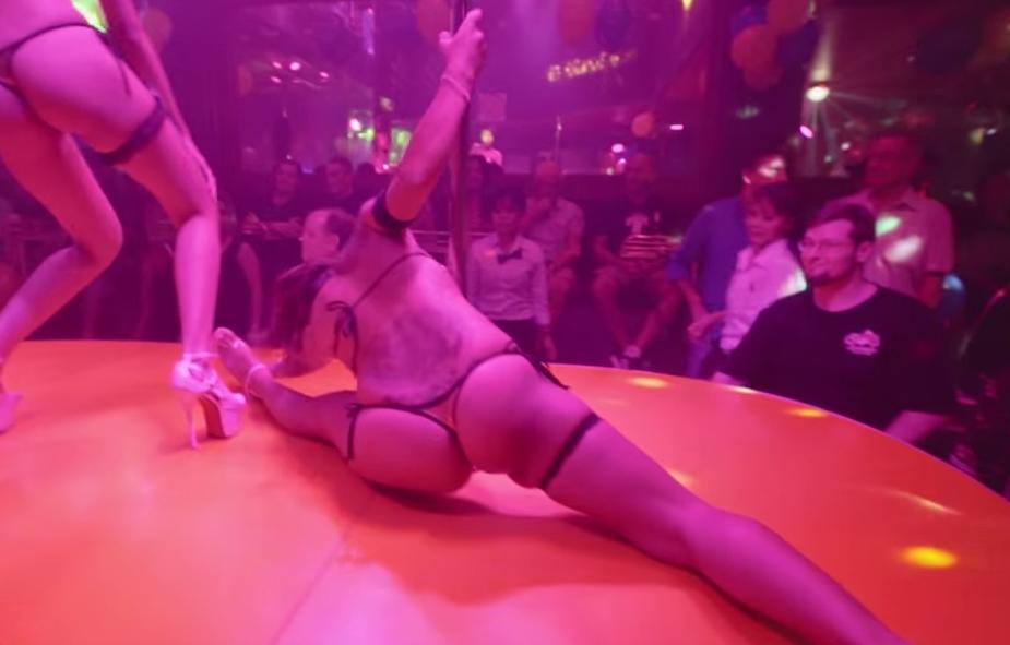 AGOGO BAR DANCE OFF - Queens Club vs Iron by Love Pattaya Thailand