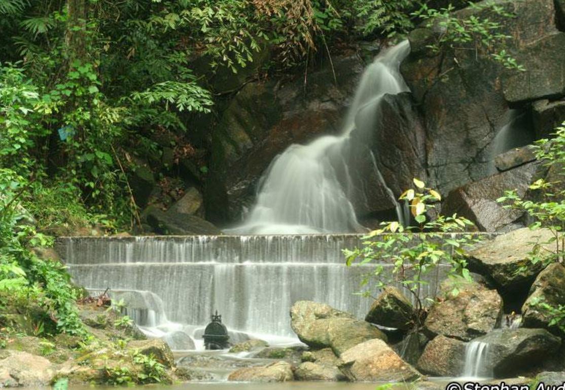 Kathu Waterfall (Водопад Кату)