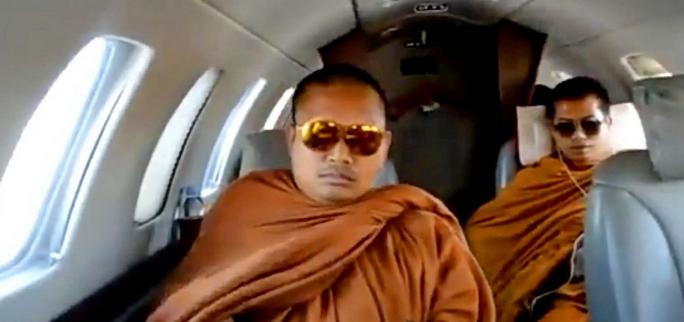 Гламурного экс-монаха экстрадировали из США в Таиланд