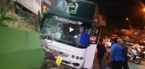 No more cap seals! Love in Phuket Town? Patong hill crash!
