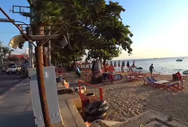 Пляж Джомтьен в Паттайе - грязное море? Цены на тайский бокс, Тайланд