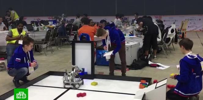 На Всемирной олимпиаде роботов в Таиланде россияне завоевали три медали